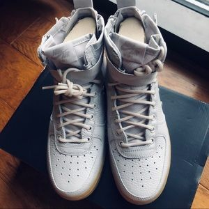 Nwt cream women's Air Force 1 high top sneakers 8